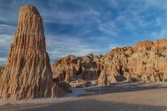 火山的黏土形成的壮观的看法在大教堂峡谷国家公园的在内华达 免版税库存照片