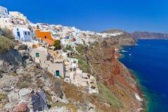 火山的Santorini海岛的Oia城镇 图库摄影