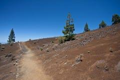 火山落寞高涨的横向的线索 免版税图库摄影