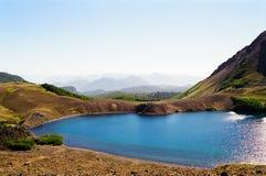 火山蓝色智利湖的地形 库存图片