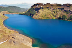 火山蓝色智利湖的地形 免版税库存照片