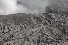 火山Bromo的火山口 免版税库存图片