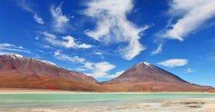 火山Licancabur和拉古纳Verde 库存照片