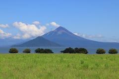 火山Momotombo 免版税图库摄影