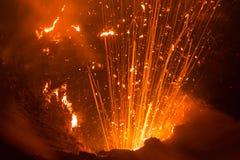 火山Yasur,瓦努阿图的爆发 免版税图库摄影