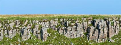 火成岩层数在斯凯岛,苏格兰小岛的  库存图片