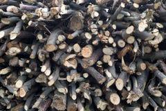 火木头堆格栅的 库存图片