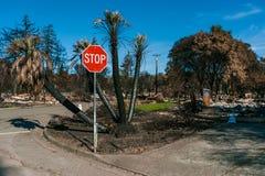 火毁坏的邻里 免版税库存图片