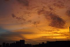 火热的日落 库存照片