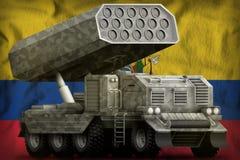 火箭队火炮,有灰色伪装的导弹发射装置在厄瓜多尔国旗背景 3d?? 库存例证