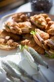 火腿乳酪新月形面包三明治 免版税库存图片