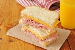 火腿和干酪三明治 免版税图库摄影