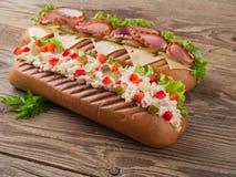 火腿和沙拉三明治 免版税库存图片