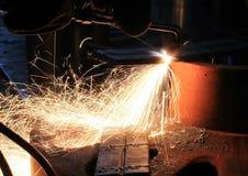 火花从是锋利的金属 免版税库存图片