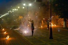 火表现照片在城市街道上的 图库摄影