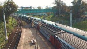 火车乘客 乘客铁路产业 有户外地铁交通的铁货车 铁货车是 影视素材