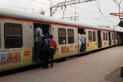 火车在孟买 免版税库存图片