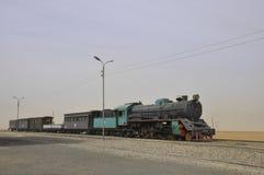 火车在沙漠 库存照片