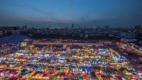 火车夜市场在曼谷 库存图片
