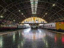 火车平台在华Lamphong火车站曼谷泰国 库存图片