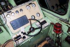 火车操作员的小室的内部 库存照片