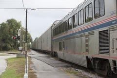 火车支架和无盖货车 免版税库存照片