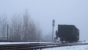 火车由与火车司机的铁路移动 影视素材
