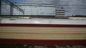 从火车窗口的看法在对列宁格勒驻地的入口 影视素材