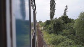 从火车窗口的运动-向后看 股票录像