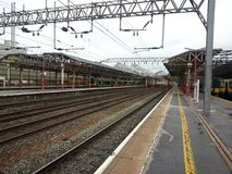 火车站克鲁英国 免版税库存照片