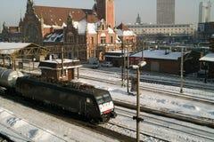 火车站和培训。 免版税库存照片