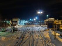 火车站在晚上 免版税库存图片