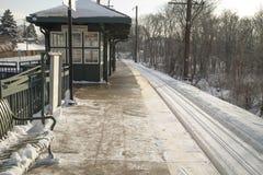 火车站平台在冬天 库存图片