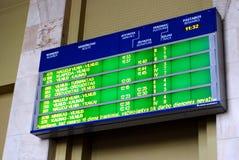 火车站时间表在立陶宛维尔纽斯市的首都 库存照片