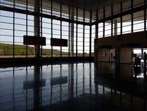 火车站画廊反射 免版税库存图片