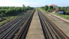 火车站看铁路轨道线,平台,俯视图 图库摄影