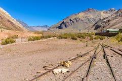 火车站,在Mendoza,阿根廷附近的安地斯 免版税库存照片