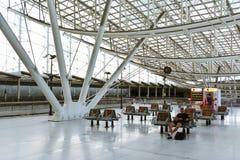 火车站,夏尔・戴高乐机场,巴黎2 免版税库存照片