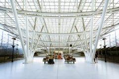 火车站,夏尔・戴高乐机场,巴黎 免版税库存照片