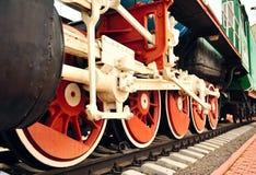 火车老轮子。 免版税库存照片