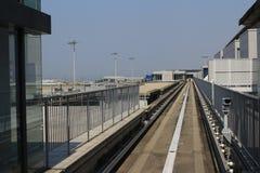 火车视图神西机场在火车外面的 库存图片