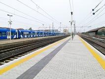 火车跟踪透视图 库存图片