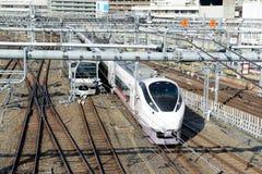火车轨道在上野站,东京 库存照片