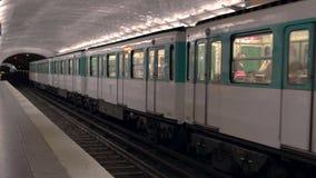 火车离开地铁站 股票视频