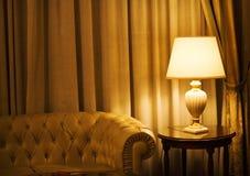 灯在一家豪华旅馆里 库存图片