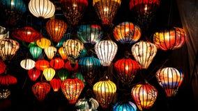灯在商店在会安市,越南的待售 免版税库存图片