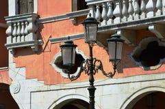 灯在威尼托街道 库存照片