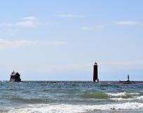 灯塔、光和码头光 免版税图库摄影