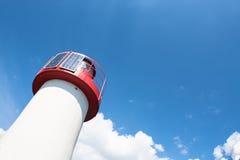 灯塔光致电压的天空 免版税库存照片