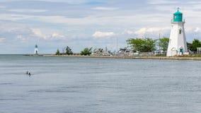 灯塔和小游艇船坞口岸的Dalhousie在圣Catharines, Ontar 免版税库存图片